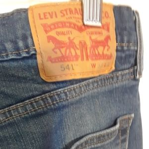 NWOT 33X32 LEVIS 541 MENS JEANS ATHLETIC STRAIGHT